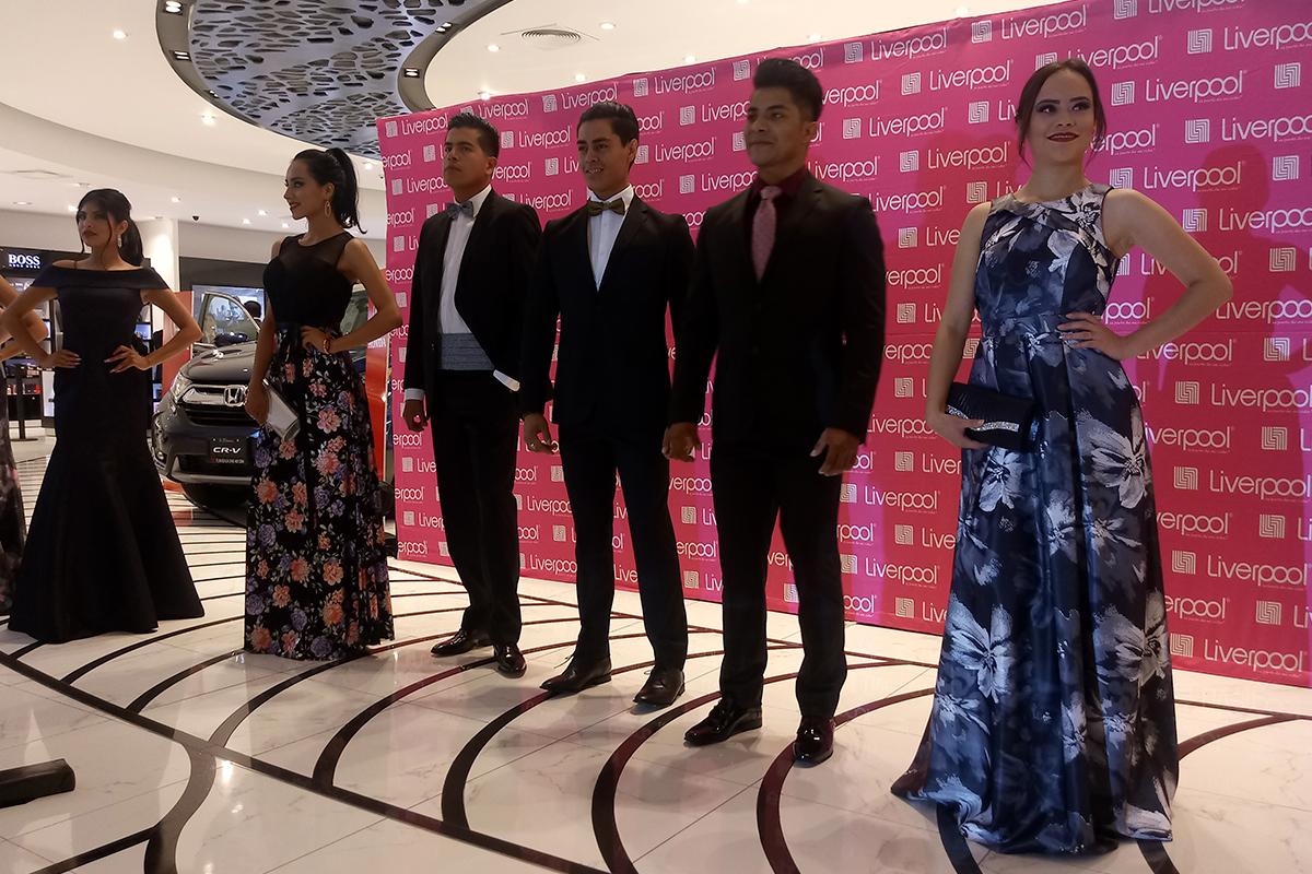 """15fa187fd7 Presenta Liverpool """"Graduaciones 2018"""" – Tlaxcala Digital"""